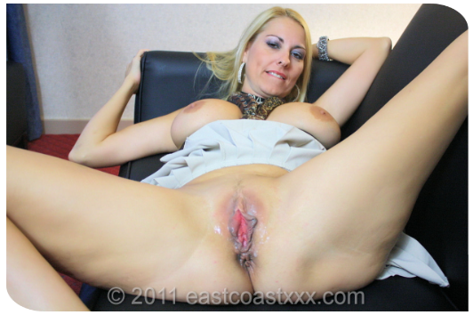 blonde whore puma swede neede no cock to bang her friend nicely